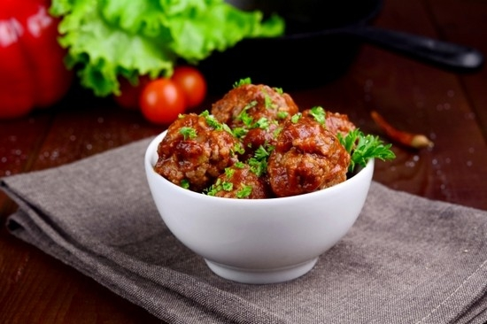 тефтели в томатном соусе в мультиварке или духовке