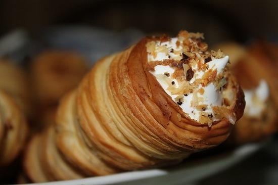 Пышные оладьи на кефире с яблоками рецепт