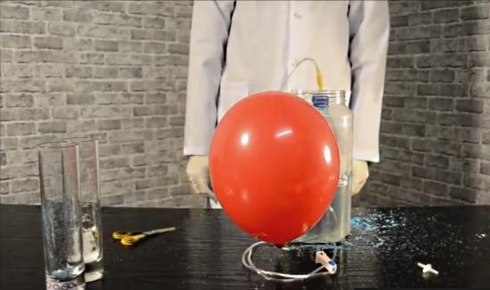 Как сделать летающий гелиевый шарик из медного купороса и соли