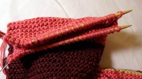 Как связать капюшон спицами от горловины техникой прямого вязания: шаг 9