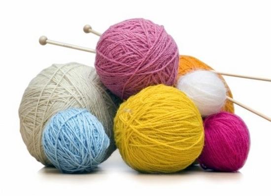 Основные принципы вязания, с помощью которых можно красиво и аккуратно оформить горловину свитера, платья или манишки.