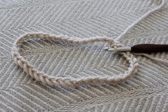 Как связать теплую повязку для межсезонья: шаг 2