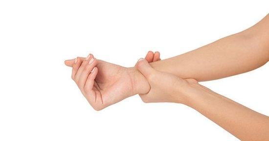 Растяжение связок кисти руки: что делать?