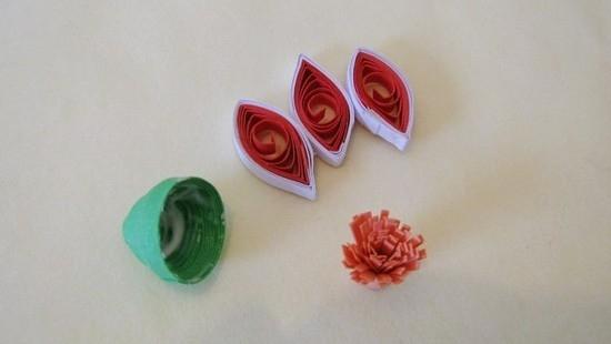 Делаем 3 розовых лепестка