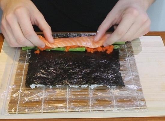 лосося можно заменить любимыми морепродуктами