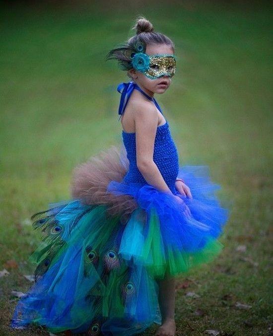 Платье из фатина для девочки синее