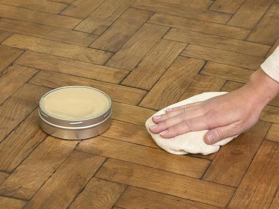 Wat te doen om de houten vloeren niet te kraken