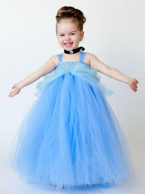 Платье из фатина для девочки голубое
