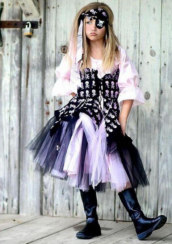 Платье из фатина для девочки пиратки
