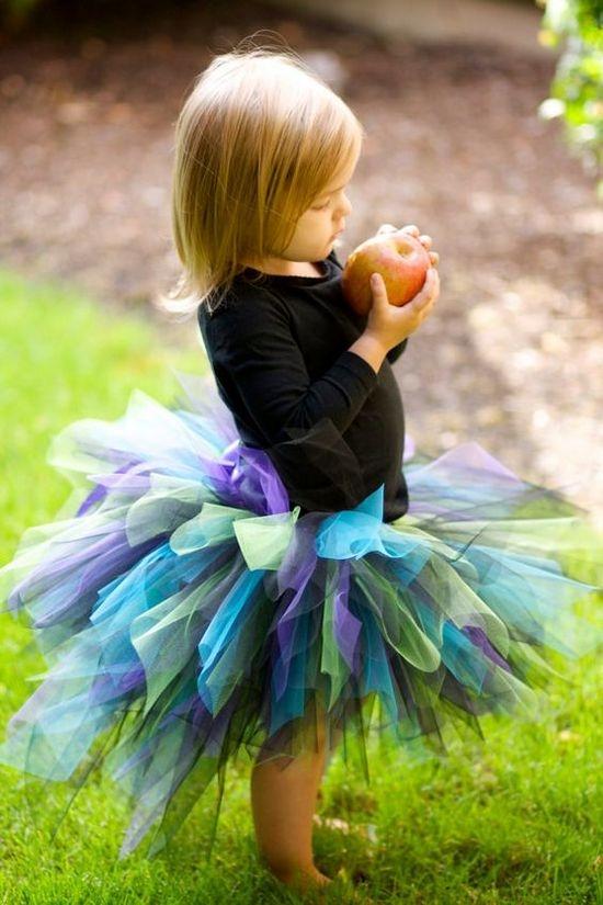 Платье из фатина для девочки короткое