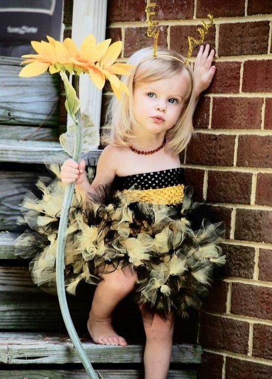 Платье из фатина для девочки пчелка