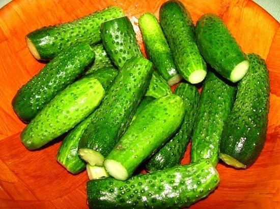 Оставим овощи поплавать в воде на 2 часа