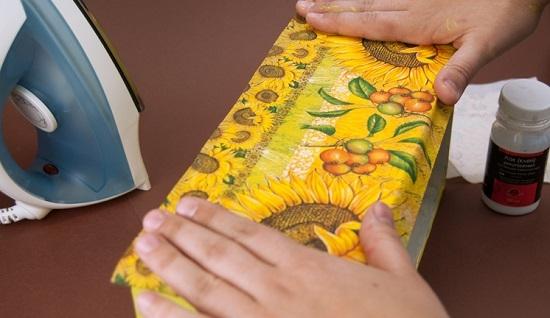Как сделать декупаж салфеткой на картоне