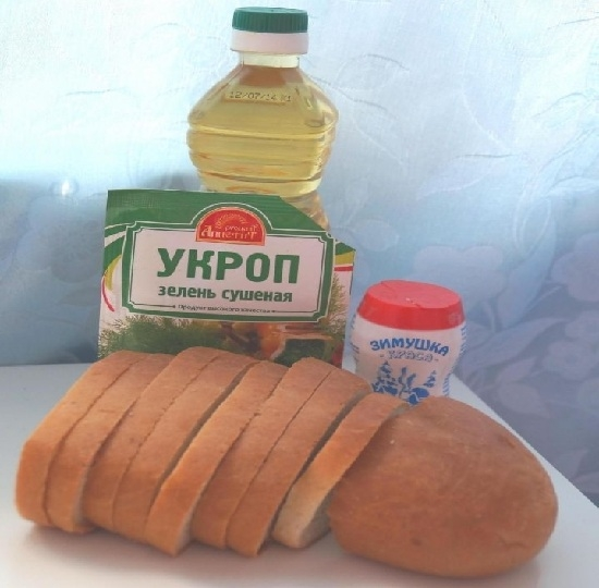 из приправ используйте сушеный укроп и смесь перцев