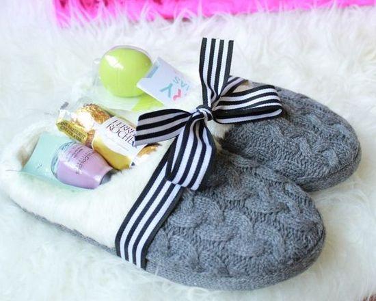 Тапочки с конфетами в подарок