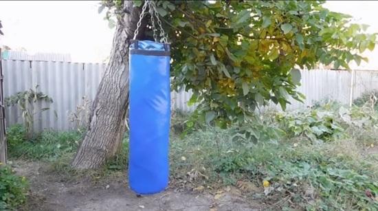 как сделать боксерский мешок своими руками