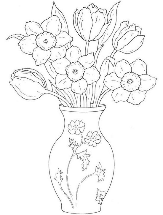 Ваза с нарцисами и тюльпанами нарисованная карандашом