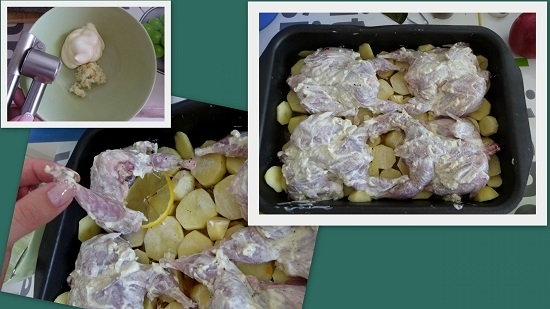 Выкладываем перепелов на картофель