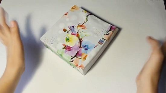Обклеиваем коробки декоративной бумагой