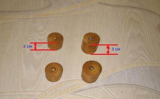 Вырезаем два цилиндра высотой в 20 мм