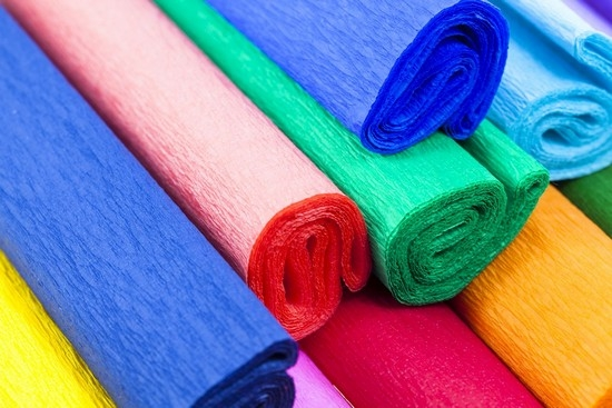 декорировать пивной торт можно разноцветной тканью