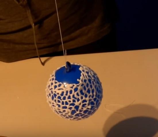Кружевные шарики из айсинга