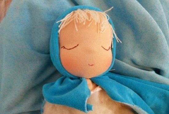 спящая вальдорфская кукла: мастер-класс