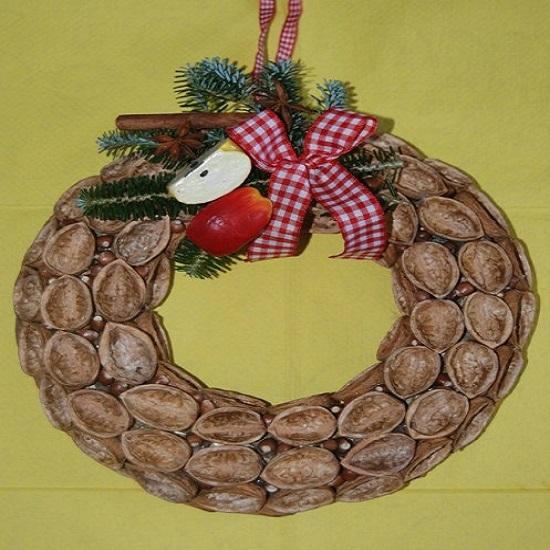 венок из скорлупы грецкого ореха пошагово