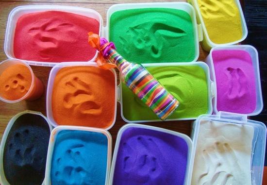 На скорую руку цветной песок