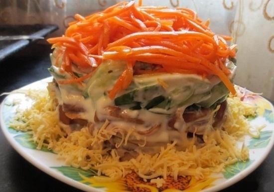 салат «Лисичка» с корейской морковкой слоями
