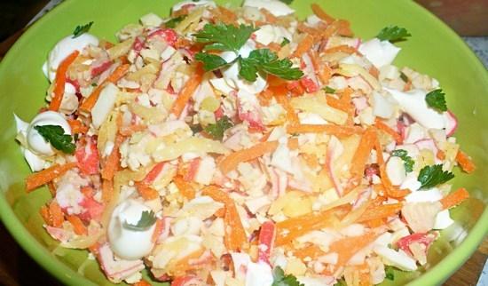 Корейская морковь и палочки крабовые