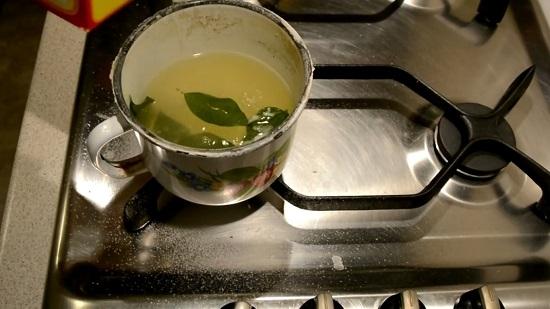 доливаем воду и добавляем пищевую соду