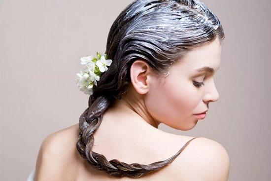 Красота из-под шапки. Как восстановить волосы после зимы?
