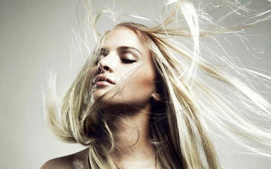 """""""Связь с космосом"""". Как избежать электризации волос зимой?"""