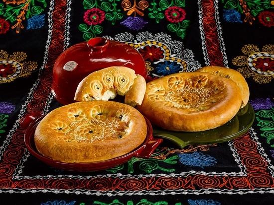 приготовление узбекских лепешек