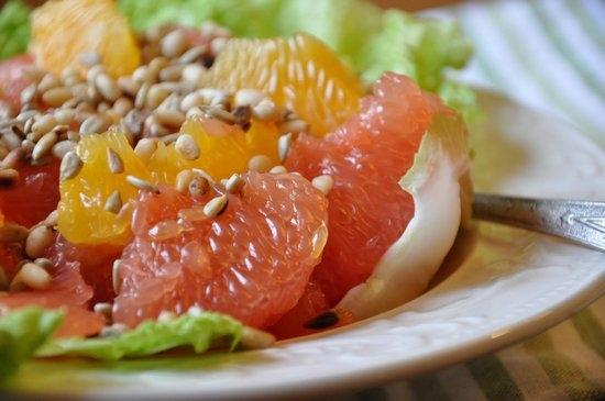 Калорийность грейпфрута, сколько калорий сжигает этот фрукт?