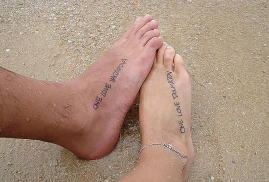 Парные татуировки на ногах