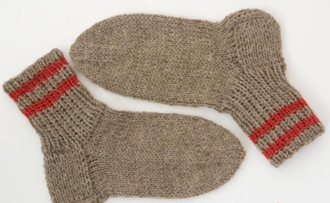 Вязание носков спицами для