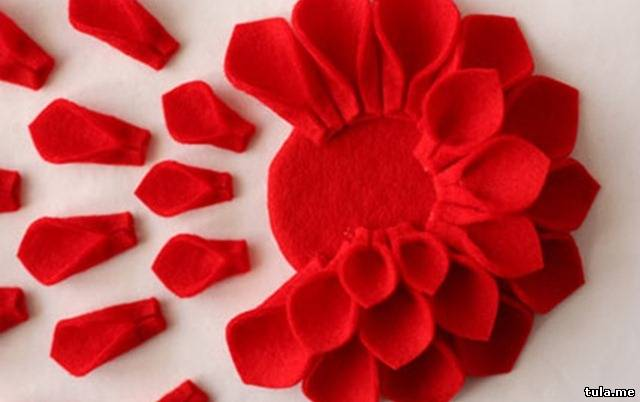 Украшение цветы из материала